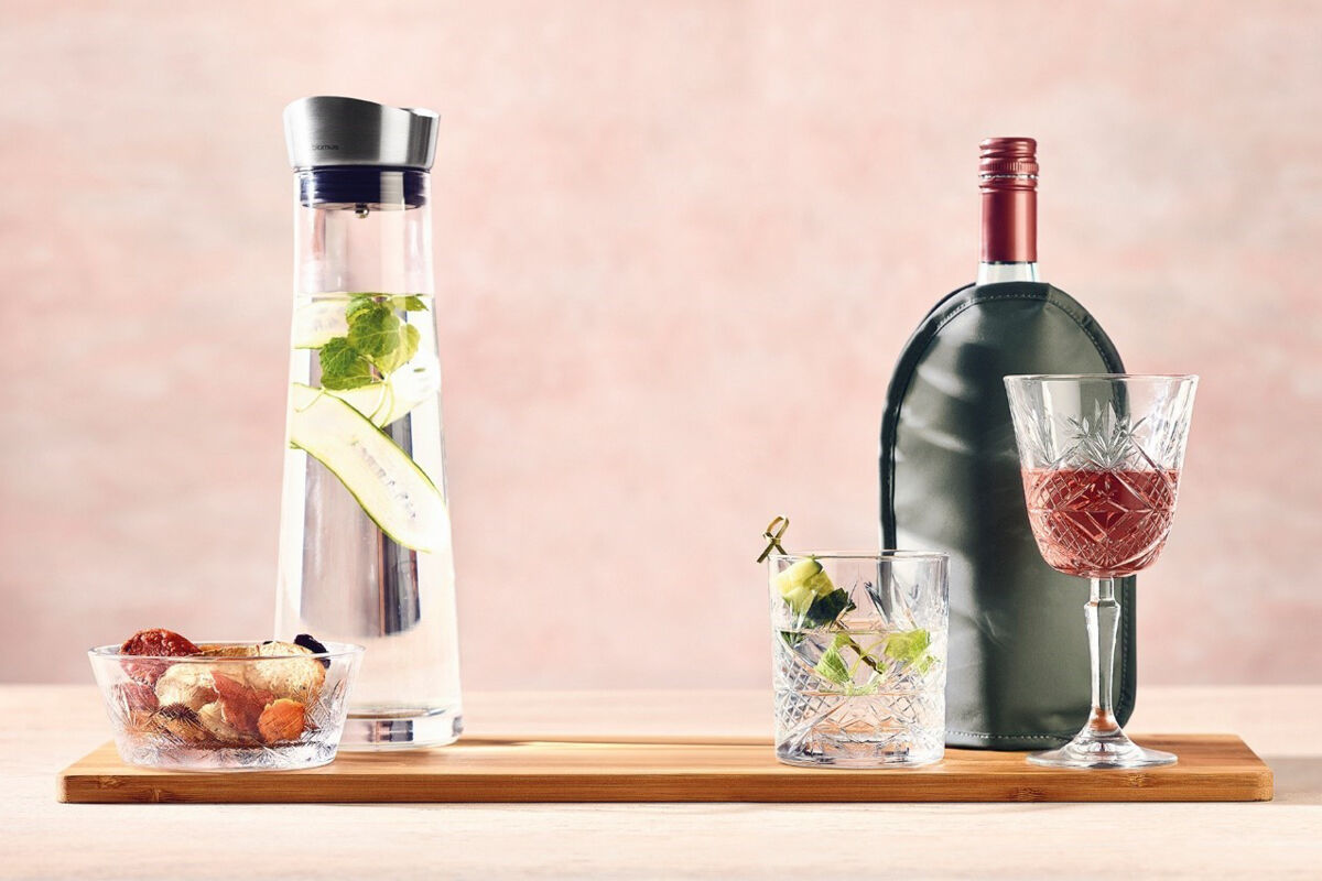 Be the perfect host with surprising welcome drinks